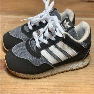 Adidas Toddler Black/Grey Sneakers